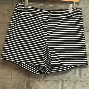 Cynthia Rowley Shorts | Color:Black/White | Size 8